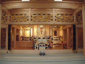 寺院内装工事現場の写真